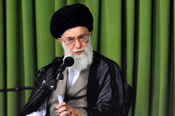 القائد: مثيرو الفتن عاجزون عن الوقوف بوجه عظمة النظام الإسلامي