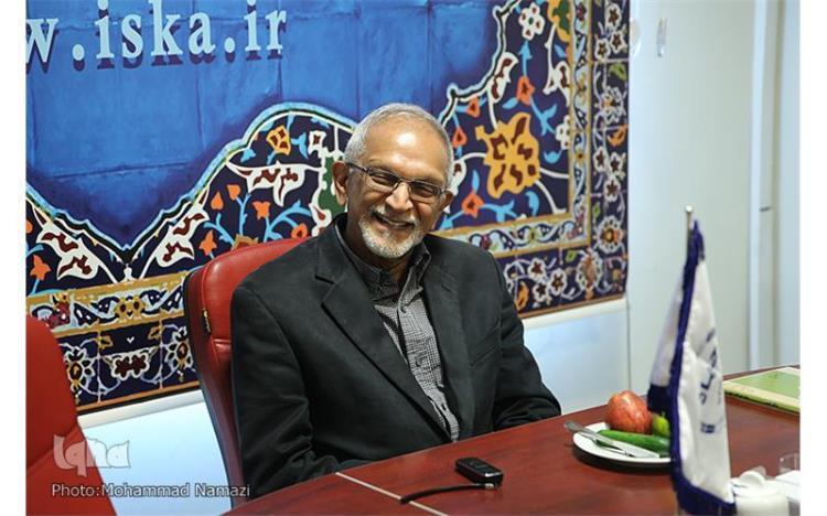 أكاديمي أمريكي: رسالة الإمام الخميني(ره) العالمية تنبع من القرآن