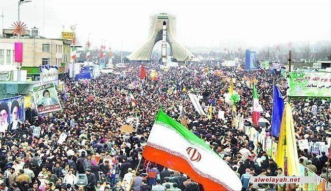 """بمناسبة ذكرى وصول الإمام الخميني (ره) إلى إيران؛ انطلاق مراسم """"عشرة الفجر"""" ذكرى انتصار الثورة الإسلامية"""