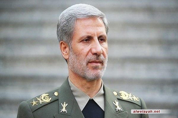 العميد حاتمي: سنقوم بإعادة برامجنا الدفاعية وفقا لبيان الخطوة الثانية لقائد الثورة