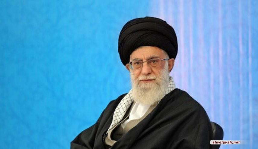 قائد الثورة الإسلامية يعزي بضحايا حادث ناقلة النفط الإيرانية