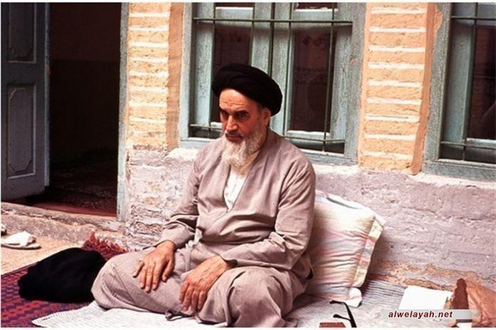 الآداب المعنوية للصلاة، الإمام الخميني: في الطهور وهو إما الماء وهو الأصل في هذا الباب، وإما الأرض