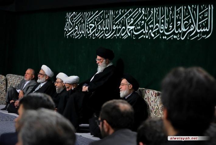 إحياء الليلة الأولى من الليالي الفاطمية في حسينية الإمام الخميني بحضور الإمام الخامنئي + صور