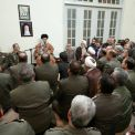 قائد الثورة الإسلامية: القوات المسلحة الإيرانية تمثل معلما بارزا من معالم القوة الوطنية