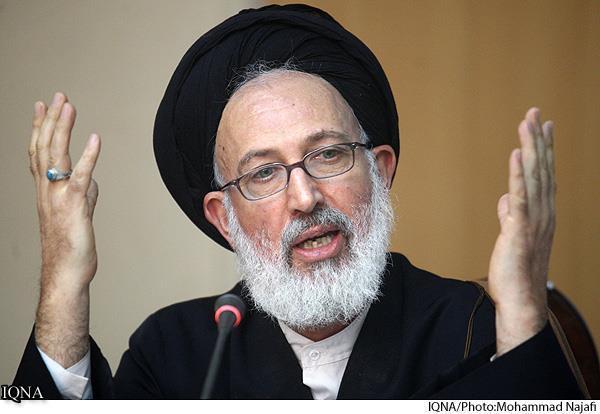 باحث إيراني: الإمام الخميني(ره) كان يسعى إلى معالجة المشاكل الاجتماعية بالقرآن