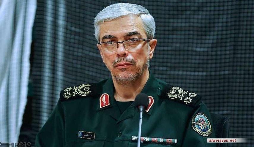 اللواء باقري يهنئ قائد الثورة الإسلامية بنجاح مناورات الجيش والحرس الثوري
