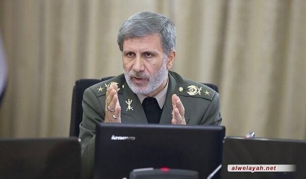 العميد حاتمي: العدو بات يذعن بقدرة الجمهورية الإسلامية في الحفاظ على أمن الوطن