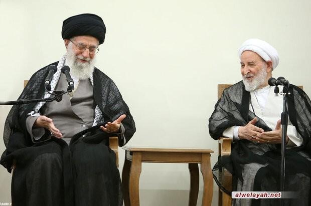 الإمام الخامنئي يعزي بوفاة العالم المجاهد آية الله محمد يزدي
