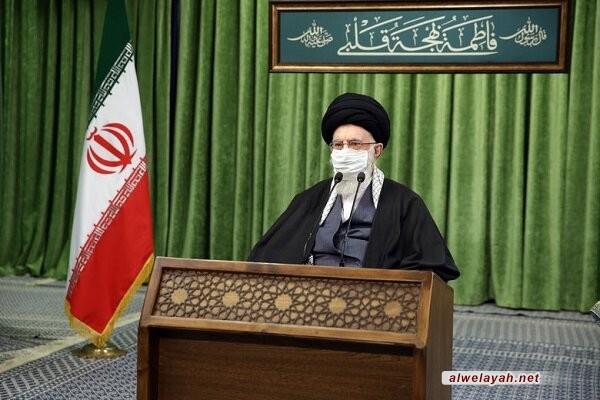 الإمام الخامنئي: الأعداء لا يستطيعون ارتكاب أي حماقة ضد إيران/ الجمهورية الإسلامية تنظر إلى المرأة رؤية تکريم واحترام