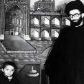 خط يد الإمام الخامنئي حول صورة قديمة تجمعه مع نجله السيّد مصطفى