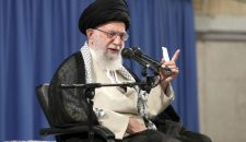 قائد الثورة الإسلامية: الشعوب المسلمة لن تتحمل ذل التطبيع مع الكيان الصهيوني
